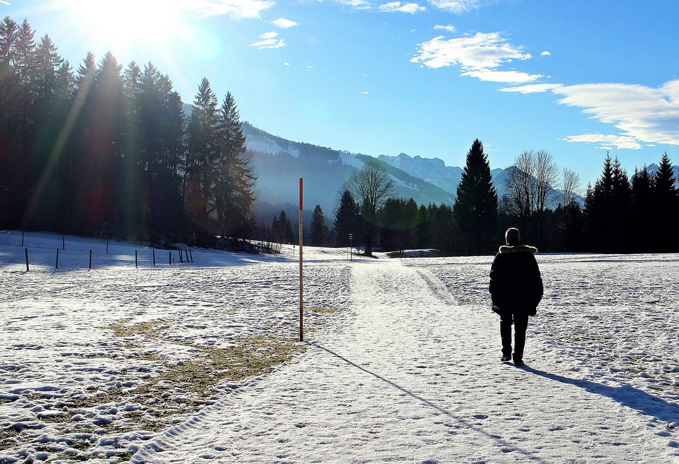 hiking and skiing winter health
