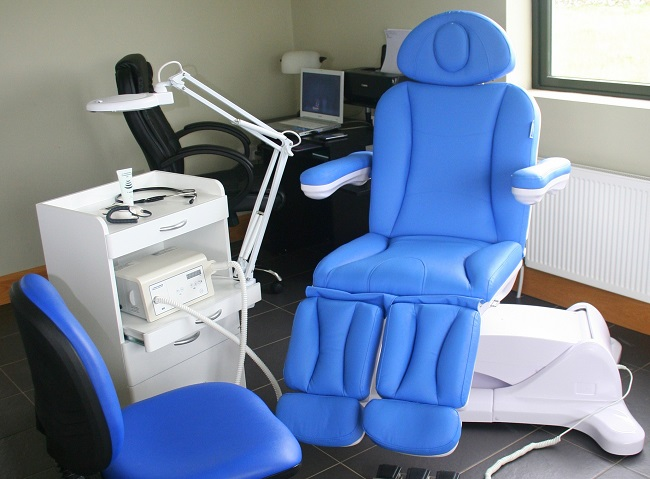 clinic for podiatry chairs