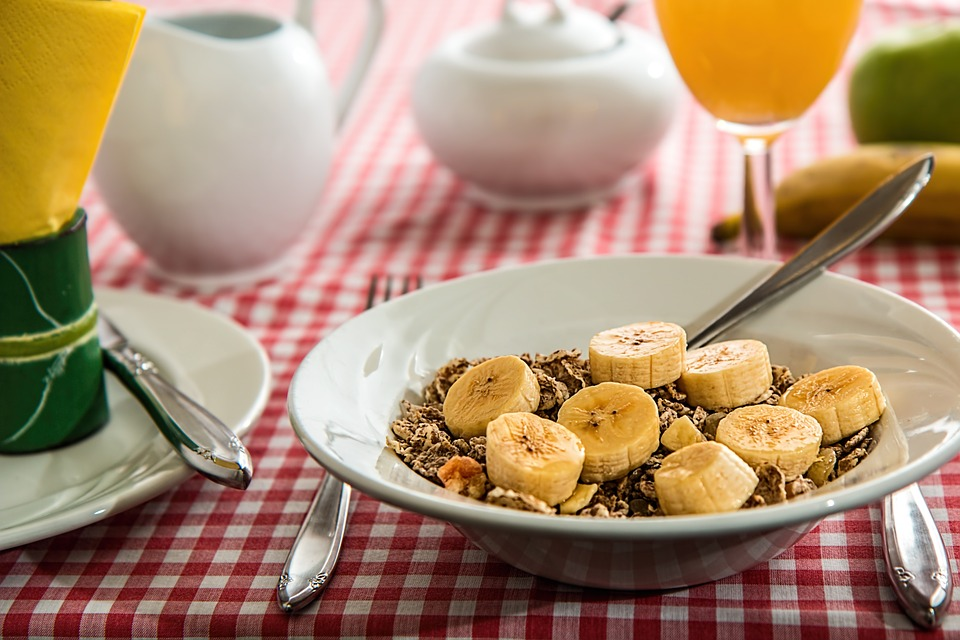 muscle gains granola and banana cereal
