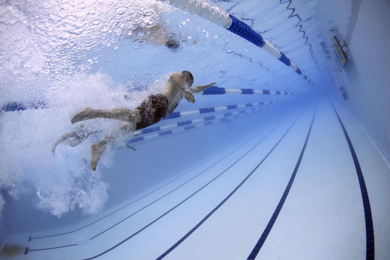 get fit from swimming in pool