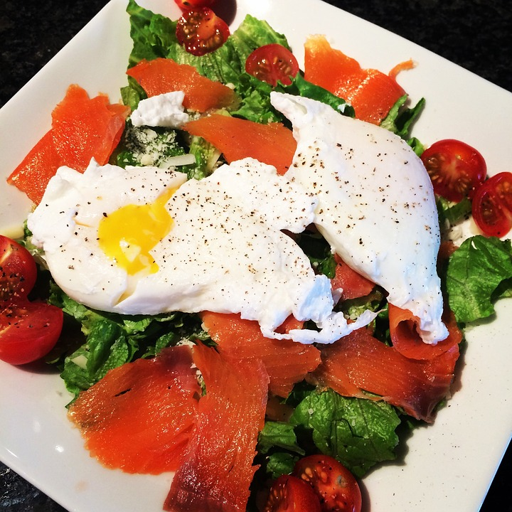 lose weight egg and salmon salad