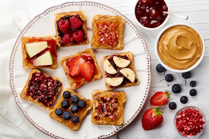 food items to eat toast and fruits