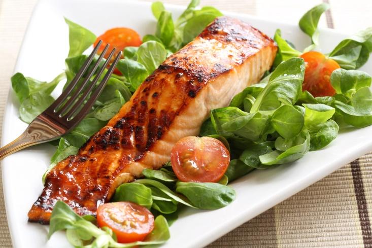 food items to eat salmon salad