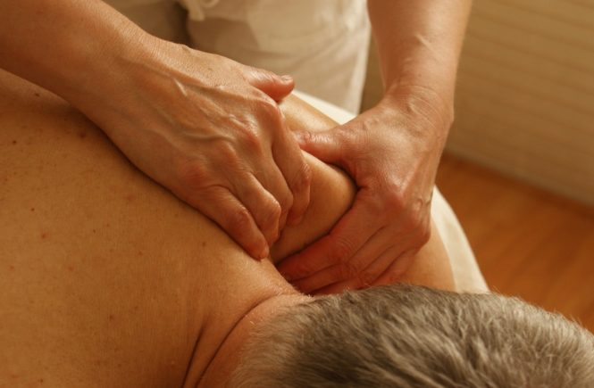 Important Tips To Deal With Shoulder Pain