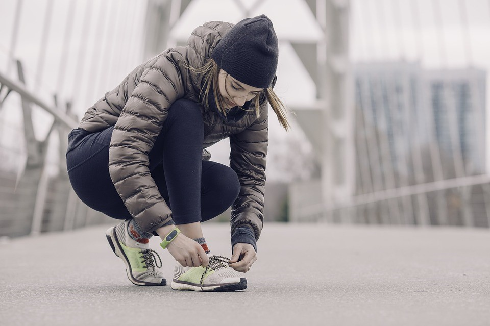 Step To It! Getting The Most From Your Fitbit tying shoe laces