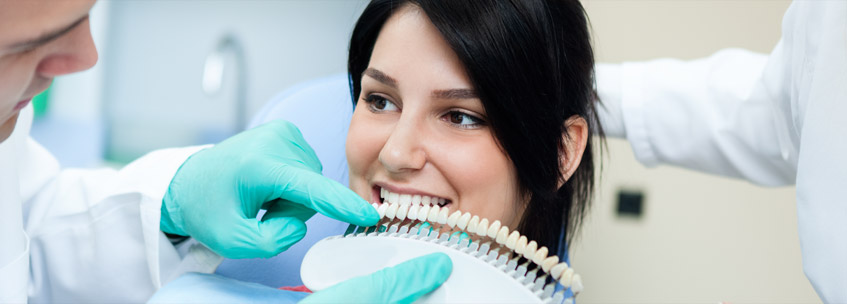 Know how a Cosmetic dentist can change your life! smile