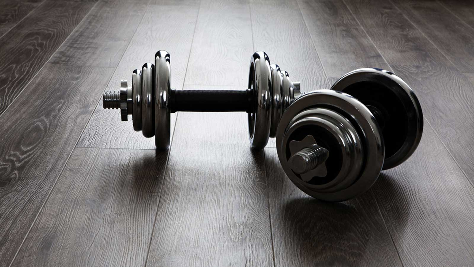 30-Minute Dumbbell Workout Program To Build Muscle