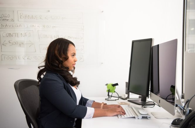 5 Real Health Risks Of Your Desk Job