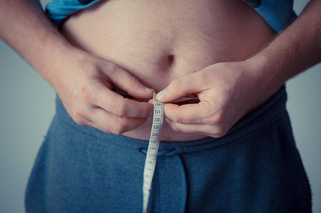 5 Real Health Risks Of Your Desk Job measure waist