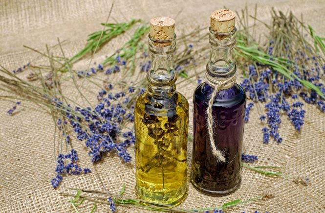 Potential Benefits & Side Effects of Black Seed Oil
