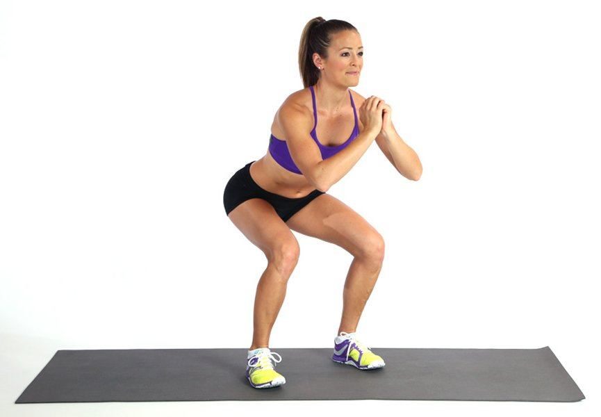 A Great Body Weight Workout You Can Do at Home squat lady