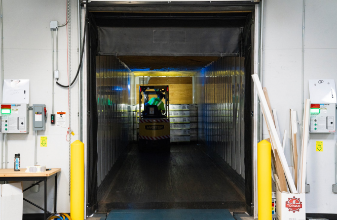 Operating An Electric Forklift - Safety Tips